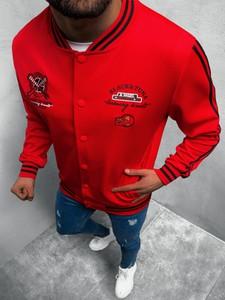 Czerwona bluza ozonee.pl w młodzieżowym stylu