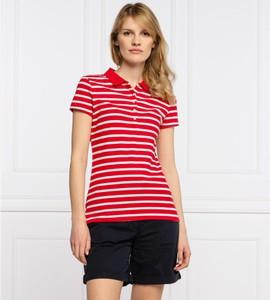 Czerwona bluzka Tommy Hilfiger z krótkim rękawem w stylu casual
