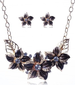 IZMAEL.eu Zestaw biżuterii Varnish Flower - Czarny