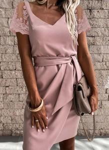 Różowa sukienka Arilook z krótkim rękawem z dekoltem w kształcie litery v mini