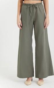 Zielone spodnie BGN