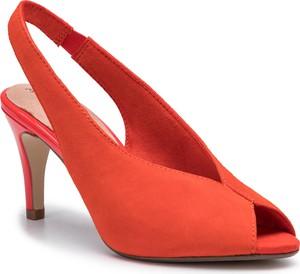 6f5e29876dafb5 Czerwone sandały Tamaris na średnim obcasie na obcasie