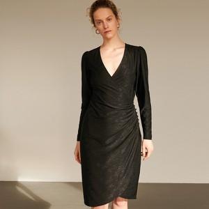 Sukienka Reserved z dekoltem w kształcie litery v z długim rękawem midi
