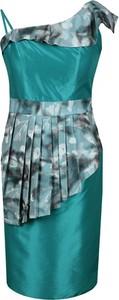 Sukienka Fokus z asymetrycznym dekoltem asymetryczna z tkaniny