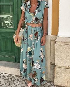 Zielona sukienka Kendallme z dekoltem w kształcie litery v maxi trapezowa