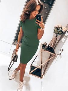 Sukienka magmac.pl w stylu casual dopasowana z dresówki