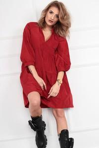 Czerwona sukienka N/A oversize w stylu casual z długim rękawem