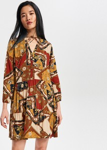 Sukienka Reserved z długim rękawem w stylu casual oversize