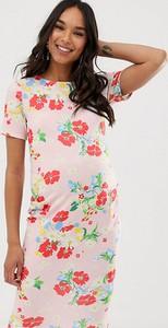 Różowa sukienka Blume Maternity dopasowana z okrągłym dekoltem