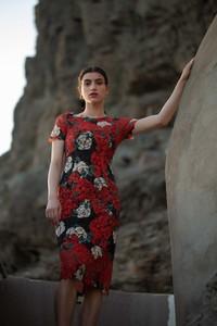 Sukienka MOE z okrągłym dekoltem w stylu casual
