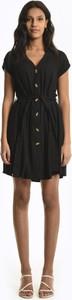 Czarna sukienka Gate mini koszulowa z krótkim rękawem