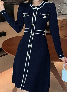 Granatowa sukienka Arilook z długim rękawem midi
