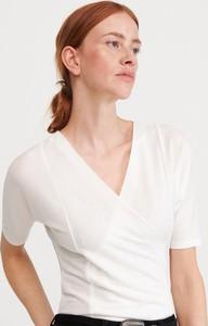 Bluzka Reserved z dekoltem w kształcie litery v z długim rękawem