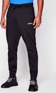 Spodnie sportowe Adidas w sportowym stylu z dresówki