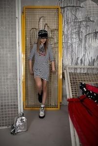 Tunika dziewczęca Małami w paseczki z tiulu