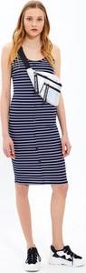 Sukienka Gate midi na ramiączkach