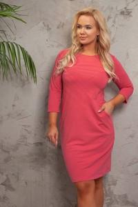 Różowa sukienka Royalfashion.pl z długim rękawem