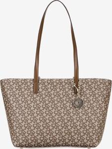 Brązowa torebka DKNY ze skóry w stylu casual