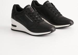 Czarne buty sportowe Diverse