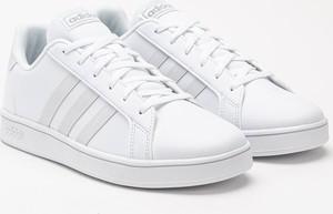 Trampki Adidas sznurowane w sportowym stylu ze skóry