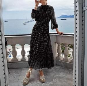 Sukienka Miandmolly z długim rękawem midi