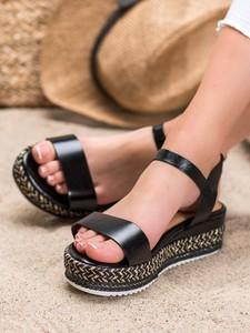 Sandały Czasnabuty na platformie z klamrami