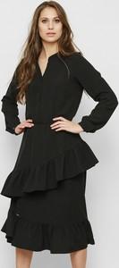 Czarna sukienka Freeshion z tkaniny mini