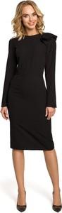 Czarna sukienka MOE z okrągłym dekoltem w stylu casual midi