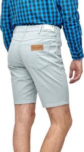 Niebieskie spodenki Wrangler z jeansu
