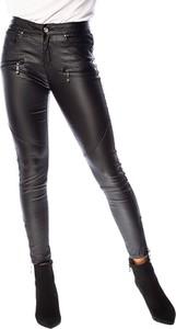 Spodnie Scarlet Jones w rockowym stylu