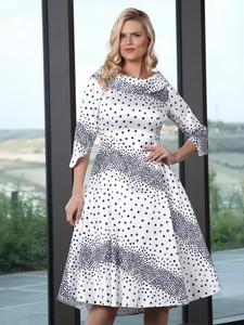 Sukienka Lizabella w stylu casual z tkaniny