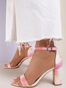 Różowe sandały Renee z klamrami