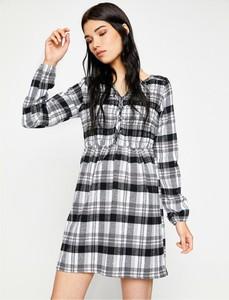 Sukienka Koton z długim rękawem koszulowa w stylu casual