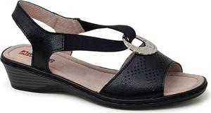 Czarne sandały ARTIKER RELAKS w stylu casual