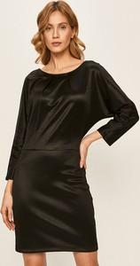 Sukienka Patrizia Pepe z okrągłym dekoltem w stylu casual prosta