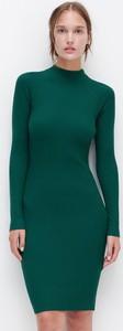 Zielona sukienka Reserved z długim rękawem mini