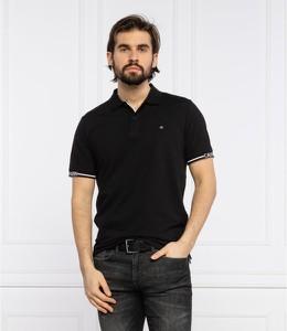 Czarny t-shirt Calvin Klein w stylu casual z krótkim rękawem