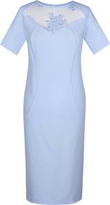 Niebieska sukienka Fokus z krótkim rękawem z okrągłym dekoltem z tkaniny