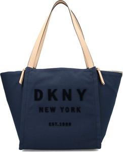Niebieska torebka DKNY na ramię duża