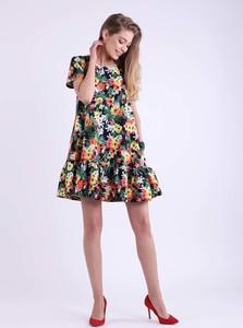 Sukienka Nommo z krótkim rękawem z okrągłym dekoltem mini