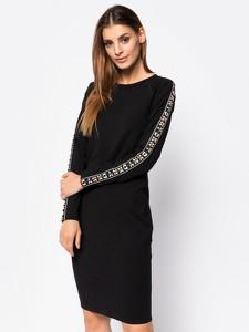 Czarna sukienka DKNY z długim rękawem prosta