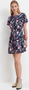 Sukienka Mohito z krótkim rękawem