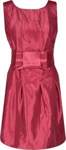 Czerwona sukienka Fokus z okrągłym dekoltem z krótkim rękawem z szyfonu