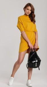 Żółta sukienka Renee mini z okrągłym dekoltem
