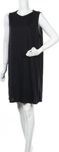 Sukienka Brilliant mini prosta z okrągłym dekoltem