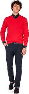 Czerwony sweter producent niezdefiniowany z bawełny