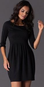 Czarna sukienka Figl bombka z okrągłym dekoltem