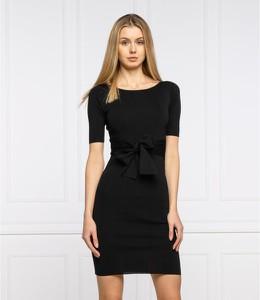 Czarna sukienka Guess mini z krótkim rękawem w stylu casual