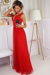 Czerwona sukienka Bicotone z dekoltem w kształcie litery v