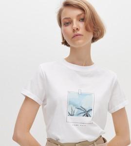 T-shirt Reserved z nadrukiem z okrągłym dekoltem